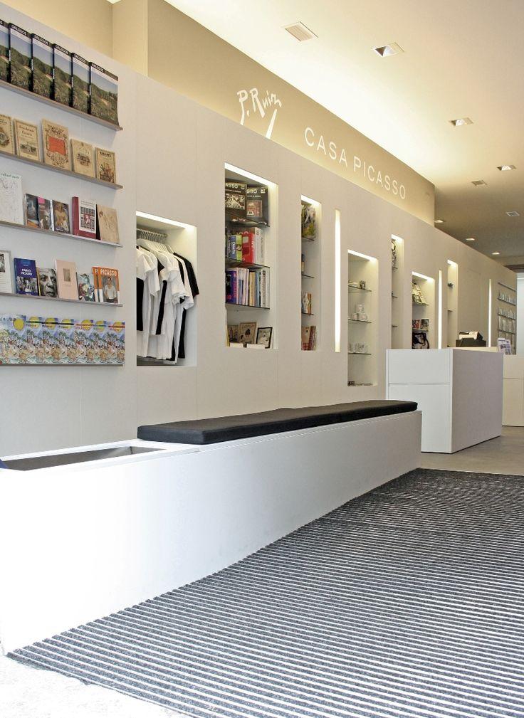 13 best mobiliario comercial images on pinterest shop for Mobiliario ergonomico definicion