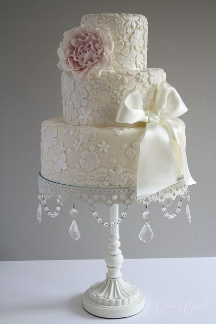 vintage lace wedding cake ... cake stand idea