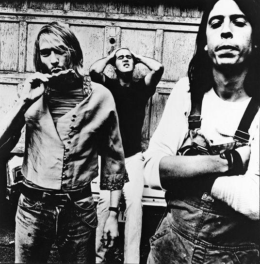 Kurt Cobain, Krist Novoselic y Dave Grohl by Anton Corbijn