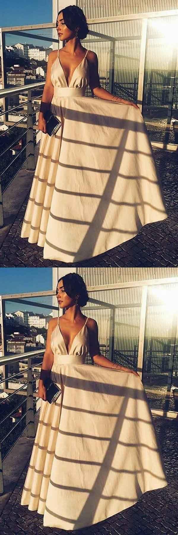 [168.59]  Charmig Tulle & Satin Bateau Halsband A-line Bröllopsklänningar med Spetsapplikationer