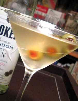 DIRTY VODKA MARTINI: Take a look at this recipe showing how to make a delicious Dirty Vodka Martini.