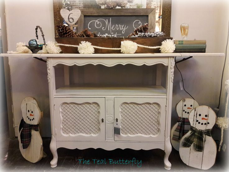 french buffet with leaves painted with amy howard one step. Black Bedroom Furniture Sets. Home Design Ideas