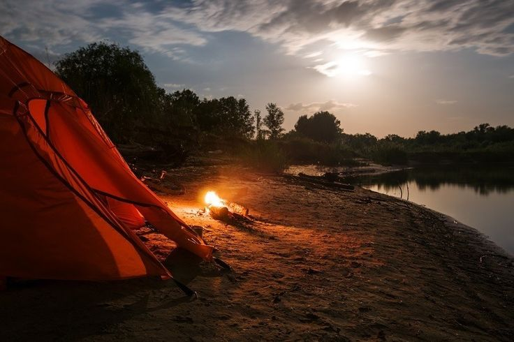 Find the best family tent for your next outdoor camping expedition. Our reviews walk you through the top 6 & 8 person tents on the market in 2017.