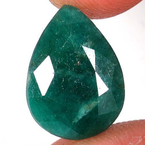 I love the color and shape of this emerald.  I just love emeralds actually :D: Emeralds, Tophatter, Colors, Emerald Batman, Holy Emerald, Shape, Just Love
