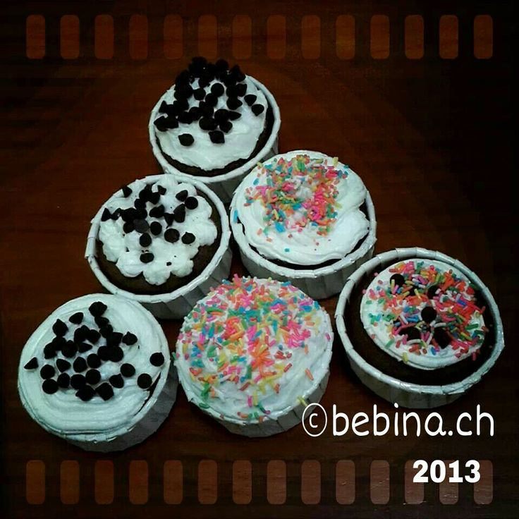 Chocolate Cupcakes Covering with Buttercream Icing