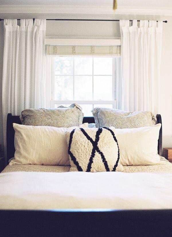Best 25+ Bed against window ideas on Pinterest | Window ...