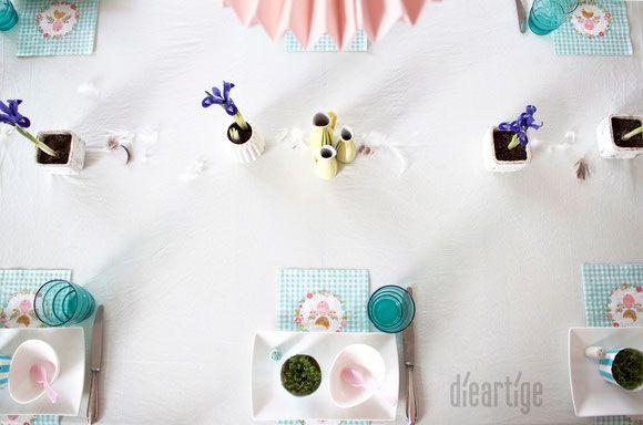 dieartigeBLOG - Tischdekoration / Ostern in Mint, Hellblau, Rosé   Weiß / Zwerg-Iris