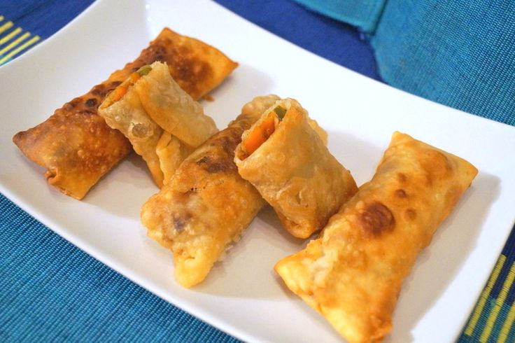 This is the perfect teatime snack. Crispy and with lot of vegetables make it healthy too.