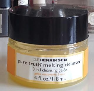 REVIEW- Ole Henriksen pure truth melting cleanser full review on www.hannah-jarvis.com