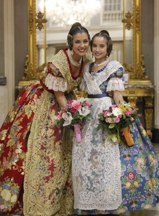 Proclamación de Estefanía López y María Donderis como falleras mayores de Valencia 2015