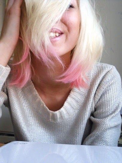 Biondo platino con punte rosa baby