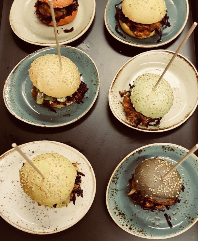 #burgertime! No explanation needed ✌️ ##WhoIsMrYotta #Catering #Hamburg #TraiteurWille #FeineKochkunst #ONETEAM #ILoveMyJob #Gastroblogger #burger #streetfood . . . . . . . #wedding #weddingplanner #artofplating #eventplanner #foodie #restaurantsofinstagram #decoration #eventpros #eventprof #ilovemyjob #beststaff #PicOfTheDay #FoodOfTheDay #plating #theartofplating #churchill