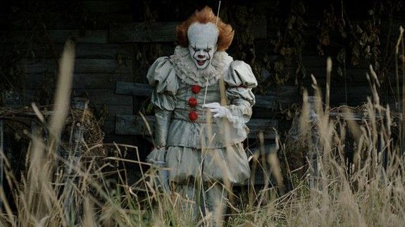 People have decided Pennywise from It is gay and in a committed relationship with the Babadook
