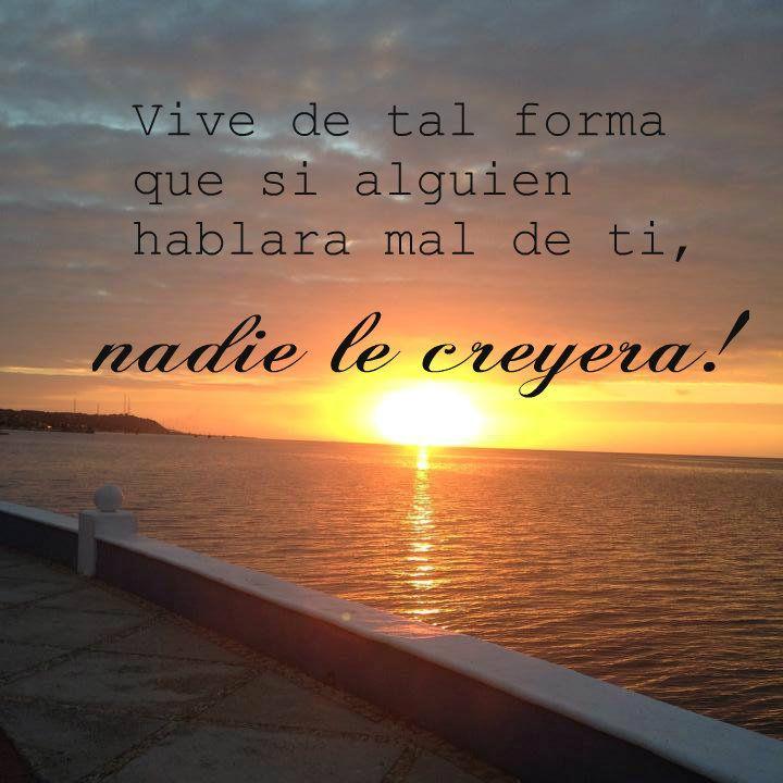 Enmarcando esta frase, un hermoso atardecer de mi amado Campeche.