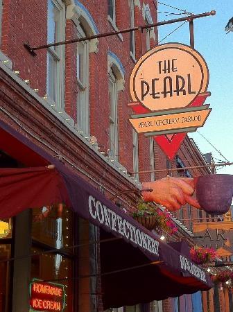 The Pearl (Ice Cream) La Crosse WI (Sawyer loves to go with Nana)