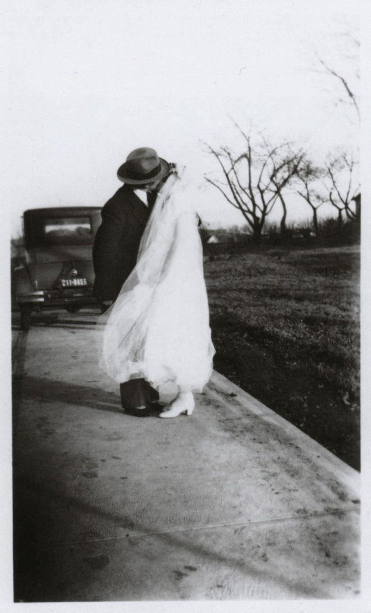 Wedding Photography Ideas : 1930s.