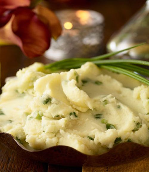 How to make super fluffy mashed potatoes from scratch - used five pounds of russet potatoes and skipped the scallions to keep it simple