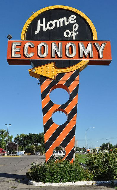 home of economy: Neon Arrows, Vintage Signage, North Dakota, Neon Signs, Grand Forks, Signs Neon, Vintage Signs, Neon Lights Signs, Vintage Neon