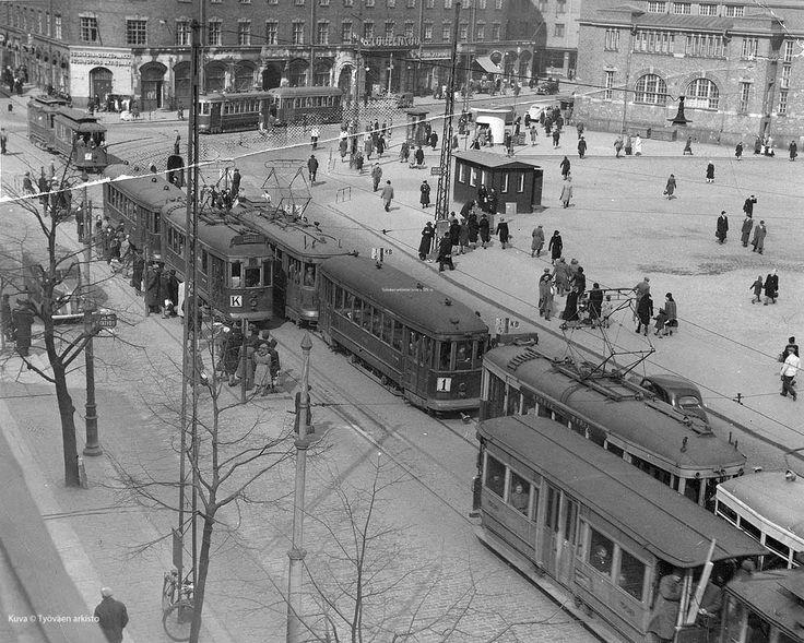 Hakaniemen tori 1947 Hakaniemi market square 1947, Helsinki
