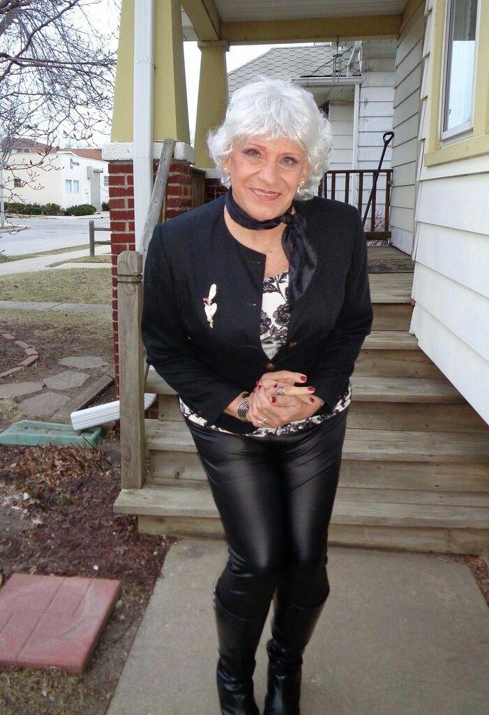 geile omas ficken geil in high heels