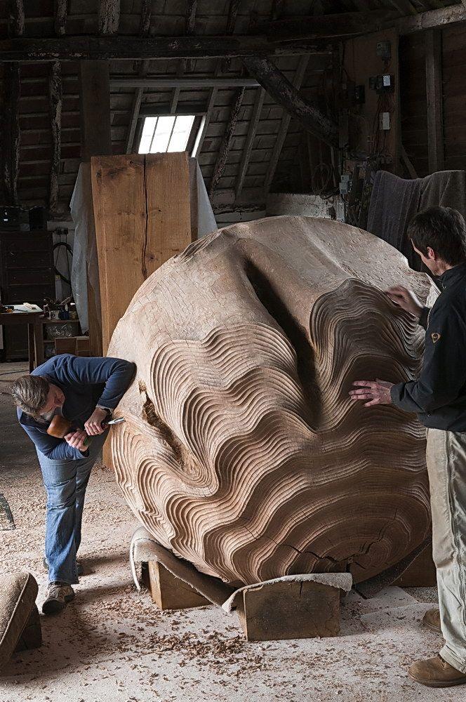 Alison Crowther escultura madera tallar esfera