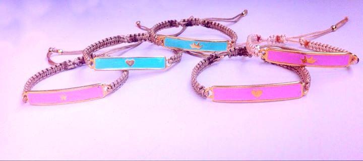 Μακραμέ βραχιόλι ταυτότητα - Macrame handmade bracelets