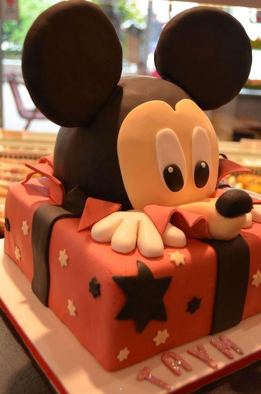 Mickey dans son paquet - Ma cerise sur mon gâteau - gâteaux en 3 D