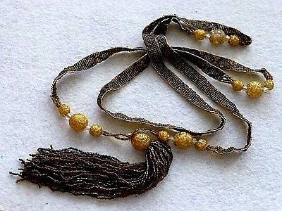 ANTIQUE-VENETIAN-WEDDING-CAKE-GLASS-BEADS-WOVEN-BLACK-amp-GOLD-SEED-BEADS-NECKLACE