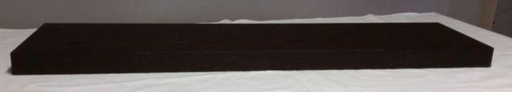 """Verkaufe einen gebrauchten Regalboden, der """"freischwebend"""" - also von außen nicht sichtbar - an der Wand montiert wird. Zu diesem Zweck wird eine Halterung aus Eisen an die Wand geschraubt, auf die der Regalboden nur noch aufgeschoben wird. Diese Halterung aus Eisen hat eine Länge von 75 cm.  Das Regal hat die Maße von 110 cm x 26 cm x 5 cm. Dieser Regalboden einschließlich Halterung wiegt 5,6 kg.  An der Unterseite des Regalbodens befinden sich 2 Löcher, um dort mit kleinen Schrauben die…"""