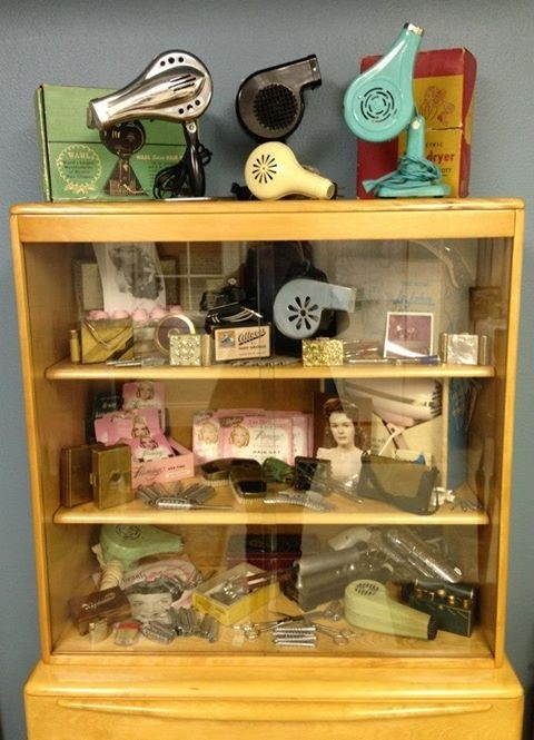 Vintage hair dryers....i want to do this for my planned vintage phone collection