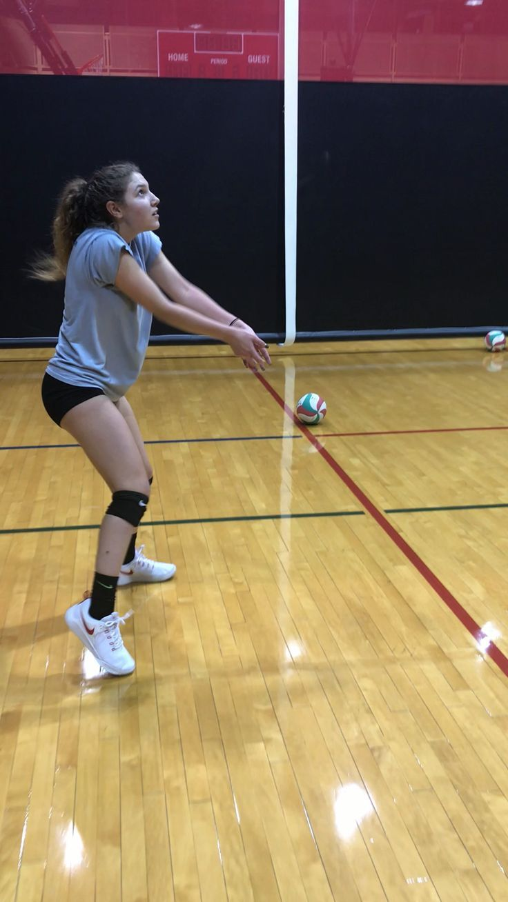 Volleyball Pictures In 2020 Volleyball Drills Volleyball Workouts Coaching Volleyball