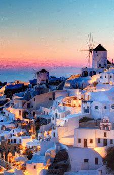 Wacth the sunset over the Med from Santorini, Greece. travel bucketlist
