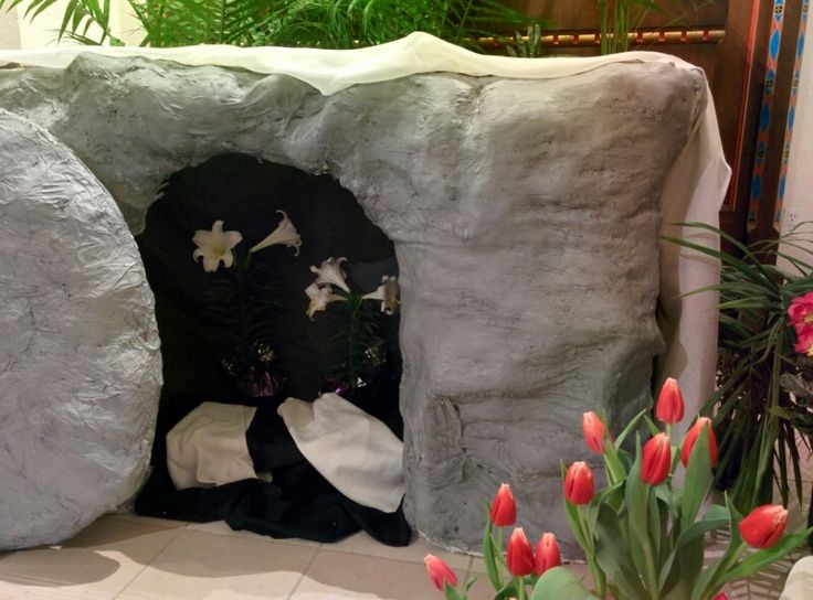 Easter 2016 - tomb in the garden