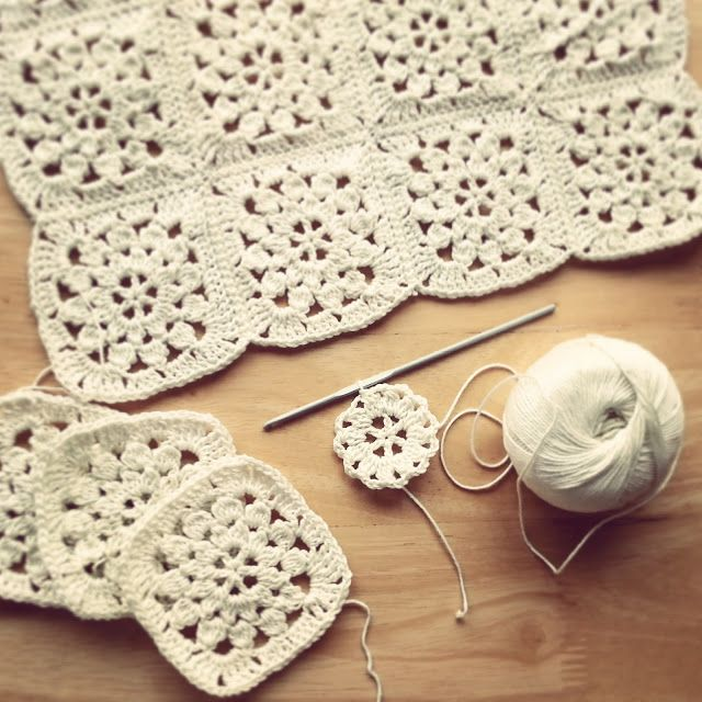 Vintage flower square by Lavender and Wild Rose. #crochet