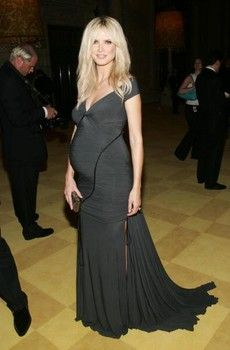 Pictures - Slideshow of Heidi Klum's pregnancy fashion on and off the red carpet - National Project Runway | Examiner.com