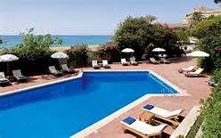 la piscina di Palazzo Belmonte