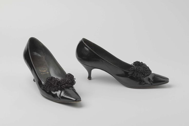 1951-1962, Italy - Pumps - Patent leather, leather, plastic
