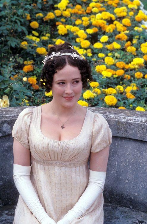 Jennifer Ehle dans le rôle d'Elizabeth Bennet dans Orgueil et Préjugés (adaptation BBC de 1995).