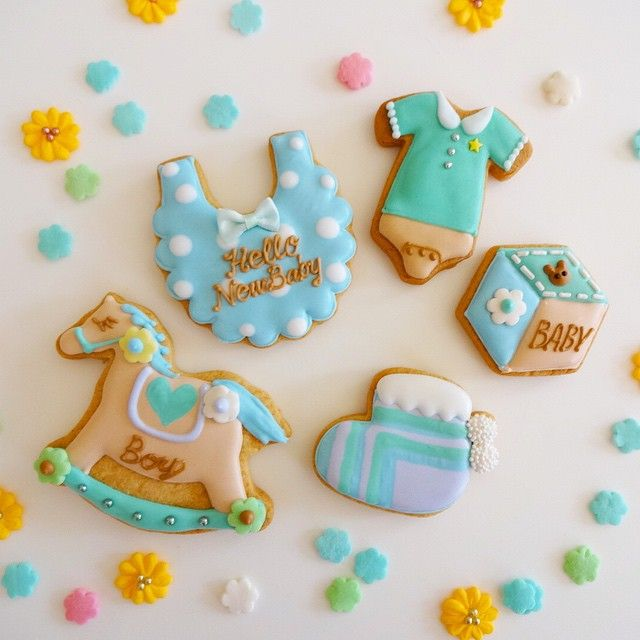 sugarfolia アイシングクッキー教室  1DAY レッスン ベビーモチーフのご紹介です お子様への記念に、お友達への出産祝いのプレゼントに… アイシングクッキーを作ってみませんか?☺️ こちらは男の子向けカラーです 女の子バージョンも後ほどUPしますね〜〜! レッスンご予約、詳細につきましては 専用アドレス ✉️sugarfolia@gmail.com までお問い合わせください❤️ #アイシングクッキー  #アイシング #クッキー  #アイシングクッキー教室  #ベビーモチーフ #ベビーギフト #ベビーシャワー  #出産祝い