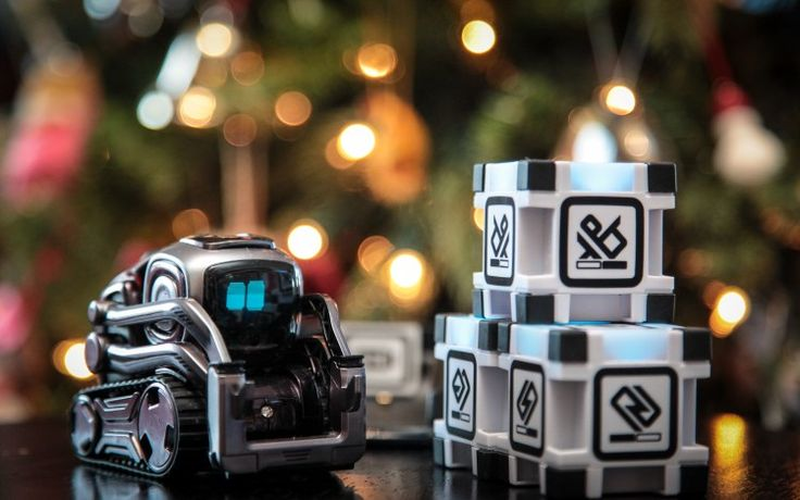Cozmo Collector's Edition | 5 gift ideas for kids | 2017 Holiday Gift Guide