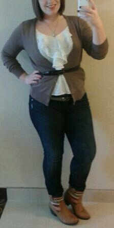 Another Monday, another outfit! I was feeling a little bit country, so I just went with it. Leather and textile boot - $ 16.00 (Maurices), Dark wash skinny jean - gift, White ruffle blouse - $ 5.00 (Forever 21), Brown cardigan - $ 10.00, Brown belt - came with a dress, Leaf necklace - $ 2.00. Total look - $32.00