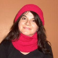 Bonnet rose foncé, tricoté main, pour femme