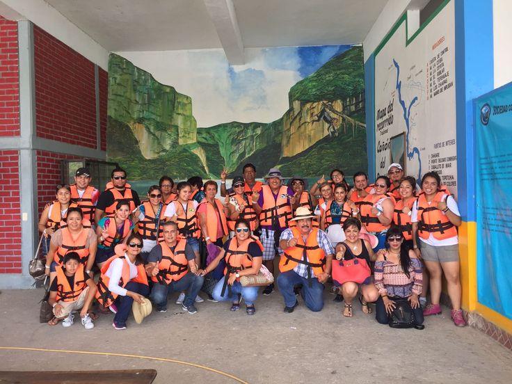 Gracias a nuestros amigos que confiaron en nosotros y ahora están en la #excursion en #Chiapas a punto de conocer el Cañón del Sumidero http://www.turismoenveracruz.mx
