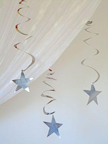 Recicle latinhas e faça uma estrela com espiral para suas festas