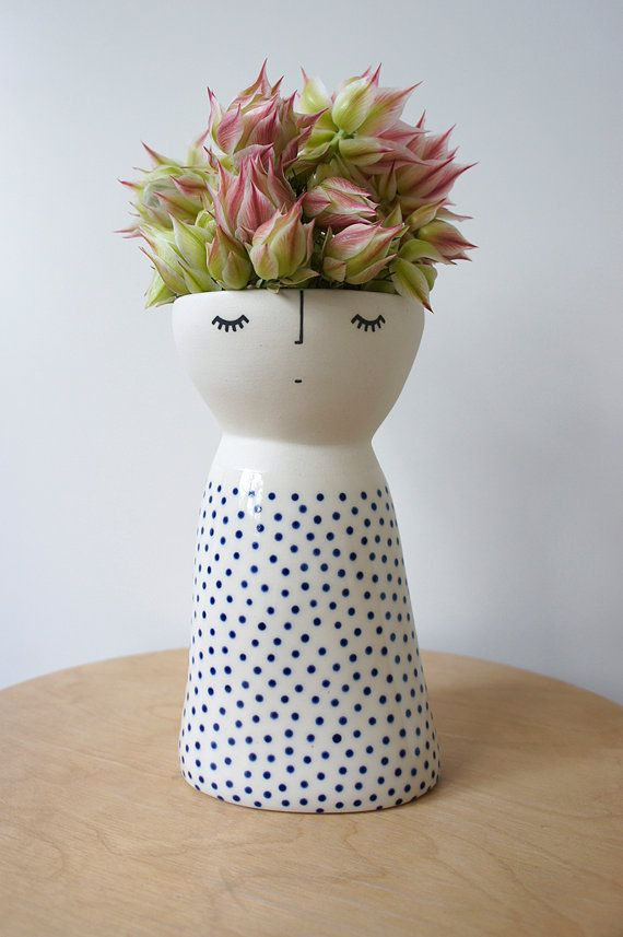 Lanky Miss Fizz – ceramic – stoneware – pottery – vase