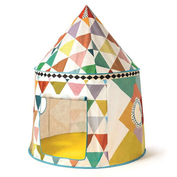 Cette superbe cabane en tissu imaginée par Djeco fera le bonheur de vos petits ! Une tente de jeu pour enfant originale que l'on adore !