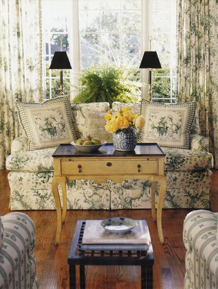 This English Country Style Sitting Room Uses Green Toile A Light Colored Coffee Table