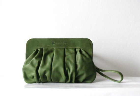 Morelle Pochette in Forest Green   https://www.etsy.com/shop/morelle