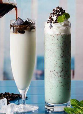 チョコミントのフローズンドリンク「ソルベージュ ミントチョコチップ」カフェ・ド・クリエに