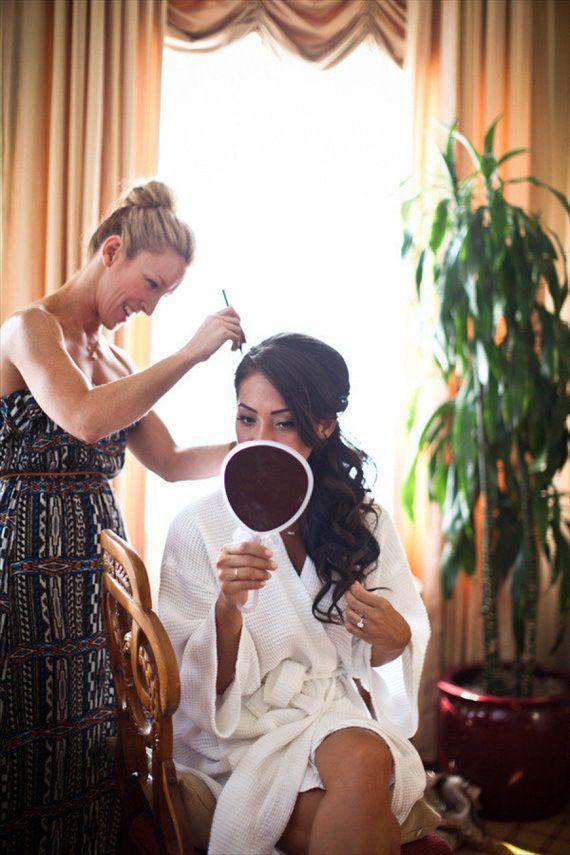 31 Wedding Hairstyles: Day 28 - Elegant Side Ponytail Like this.